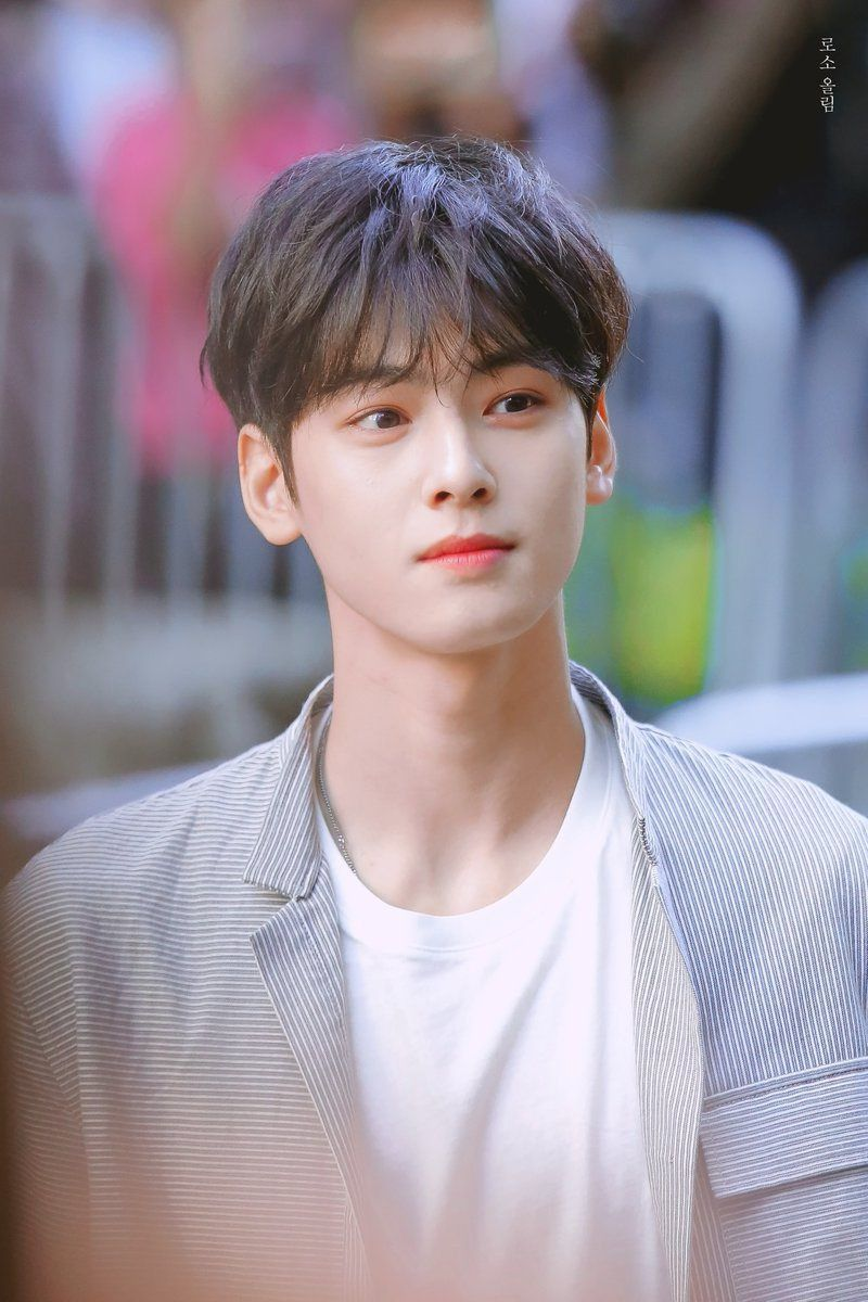 """Cha Eun Woo Astro tham gia webdrama """"Top Management"""" của Youtube Red (5)"""